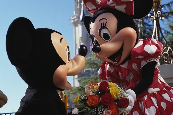 Love is in the air at Orlando's Theme Parks