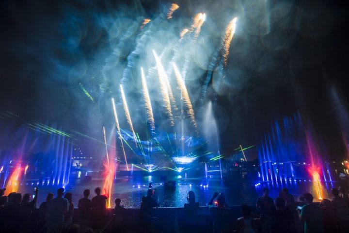 SeaWorld's Electric Ocean Final Labor Day Spectacular