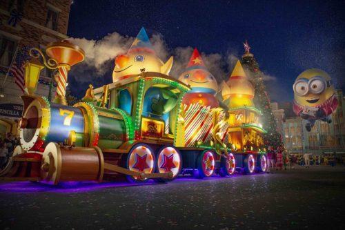 Universal Holiday Macy's Parade